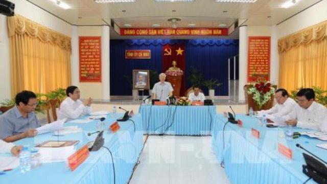 Tổng Bí Thư Nguyễn Phú Trọng làm việc tại Cà Mau