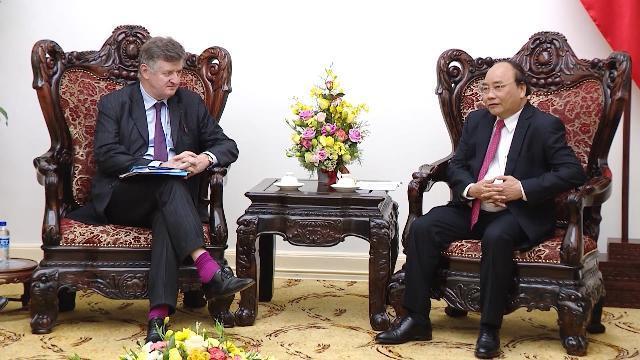 Thủ tướng Nguyễn Xuân Phúc tiếp Chủ tịch Tập đoàn Aeroports de Paris