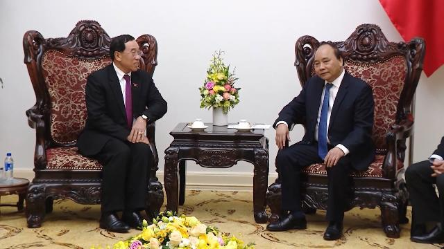 Thủ tướng tiếp Bộ trưởng Công chính và Vận tải Lào