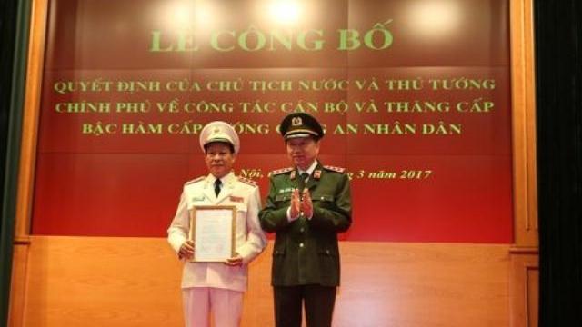 Bộ trưởng Tô Lâm công bố Quyết định bổ nhiệm lại chức vụ Thứ trưởng Bộ Công an