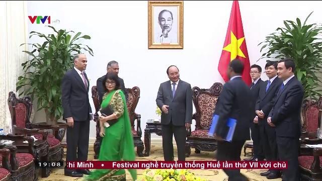 Thủ tướng Nguyễn Xuân Phúc tiếp Quốc vụ khanh Ấn Độ