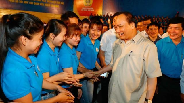 Thủ tướng Nguyễn Xuân Phúc đối thoại với công nhân miền Trung