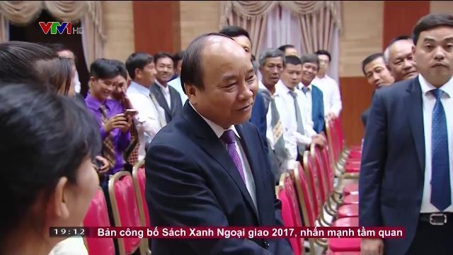 Thủ tướng Nguyễn Xuân Phúc gặp kiều bào tại Campuchia