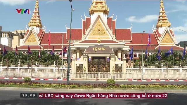 Thủ tướng Nguyễn Xuân Phúc hội kiến Chủ tịch thượng viện Campuchia