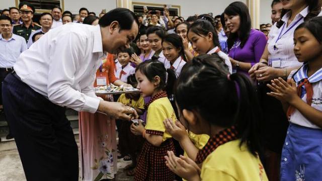 Chủ tịch nước đặc biệt ấn tượng với xã nông thôn mới ở Nghệ An