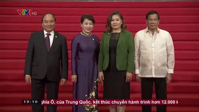 Thủ tướng Nguyễn Xuân Phúc tại hội nghị cấp cao ASEAN 30