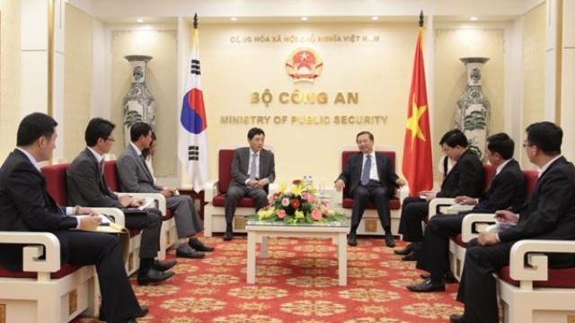 Bộ trưởng Tô Lâm tiếp Đại sứ Hàn Quốc