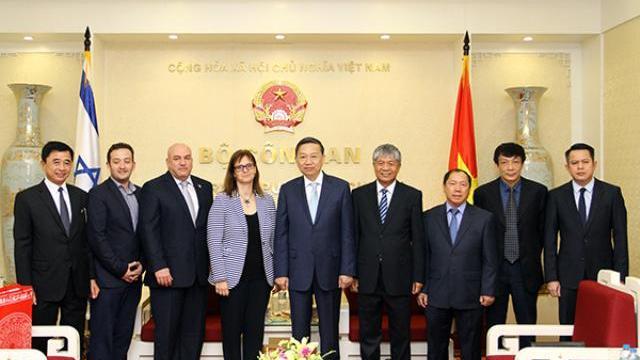 Bộ trưởng Bộ Công an tiếp khách quốc tế