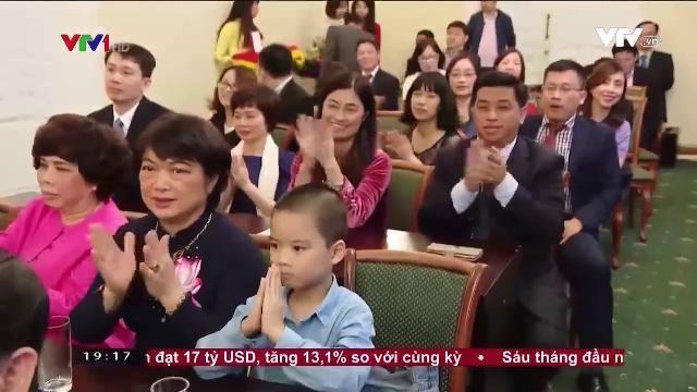 Chủ tịch nước Trần Đại Quang gặp mặt cán bộ đại sứ quán Việt Nam tại Nga
