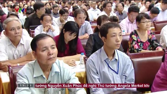 Chủ tịch nước Trần Đại Quang tiếp xúc cư tri Quận 1, Quận 3, Quận 4