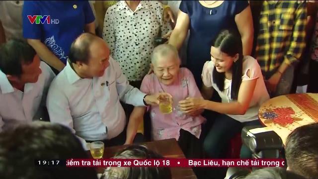 Thủ tướng Nguyễn Xuân Phúc khảo sát mô hình nông thôn mới ở Hà Tĩnh
