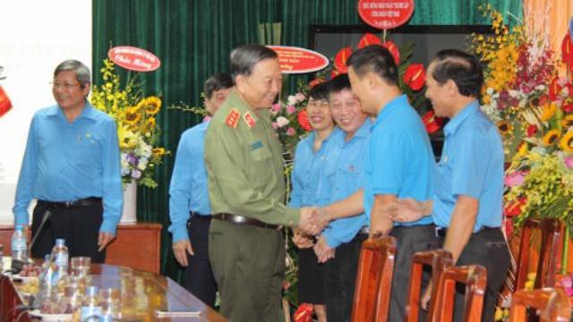Bộ trưởng Tô Lâm chúc mừng Tổng Liên đoàn Lao động Việt Nam