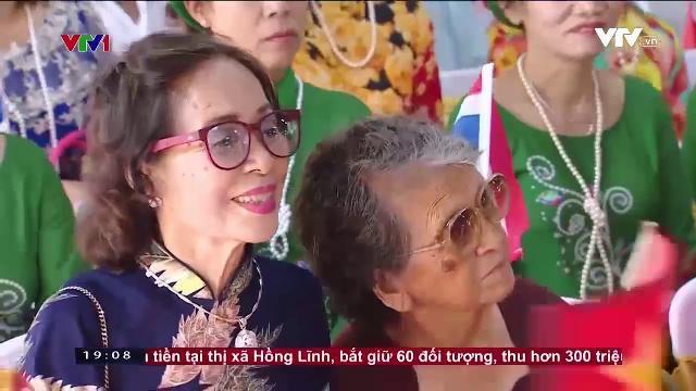 Thủ tướng Nguyễn Xuân Phúc thăm kiều bào tại Thái Lan