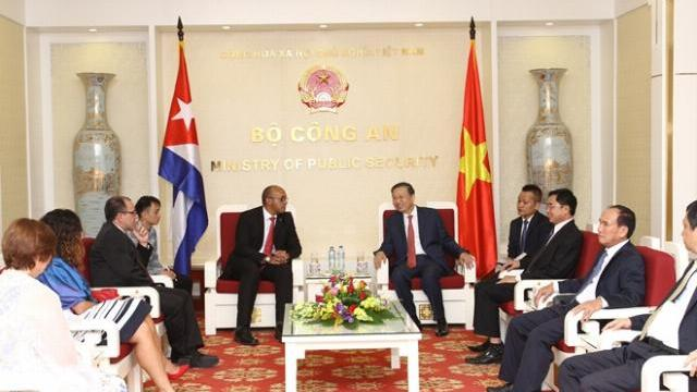 Bộ trưởng Tô Lâm tiếp Đại sứ Cuba