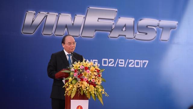 Thủ tướng Nguyễn Xuân Phúc: 'Đất nước cần có thương hiệu ôtô riêng'