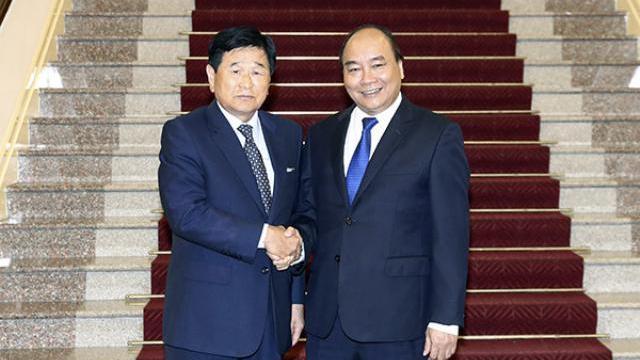 Thủ tướng Nguyễn Xuân Phúc tiếp nguyên thị trưởng Osan, Hàn Quốc