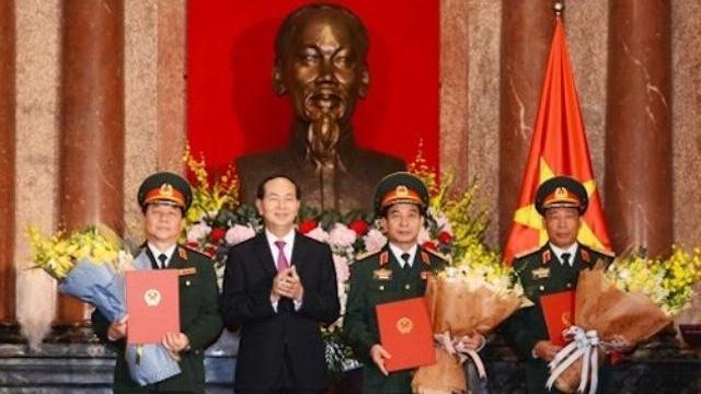 Chủ tịch nước Trần Đại Quang thăng quân hàm cấp tướng cho một số sỹ quan quân đội