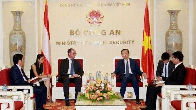 Bộ trưởng Tô Lâm tiếp Đại sứ Áo và Azerbaijan