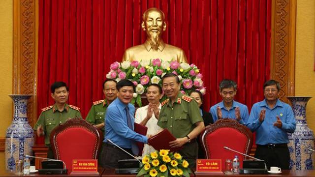 Bộ Công an và Tổng Liên đoàn Lao động Việt Nam ký Quy chế phối hợp