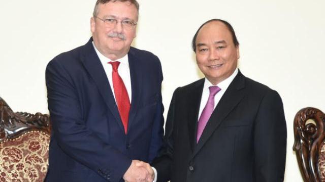 Thủ tướng Nguyễn Xuân Phúc tiếp đại sứ Hungary