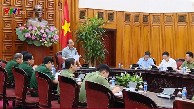 Thủ tướng Nguyễn Xuân Phúc họp bàn đổi mới tư duy về phát triển công nghiệp Quốc phòng, an ninh