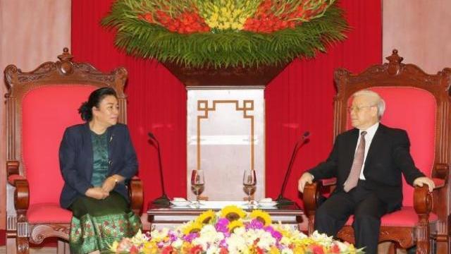 Tổng bí thư Nguyễn Phú Trọng tiếp ban đối ngoại TW Lào