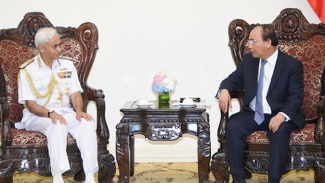 Thủ tướng Nguyễn Xuân Phúc tiếp Chủ tịch ủy ban tham mưu trưởng Ấn Độ
