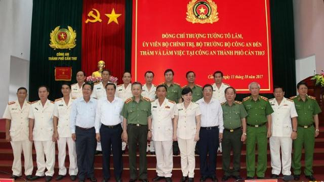 Bộ trưởng Tô Lâm thăm, làm việc tại Công an, Cảnh sát PCCC thành phố Cần Thơ