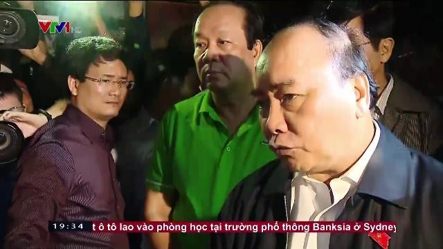 Thủ tướng Nguyễn Xuân Phúc thăm vùng lũ ở Hội An