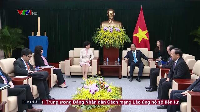 Thủ tướng Nguyễn Xuân Phúc tiếp trưởng đặc khu hành chính HongKong