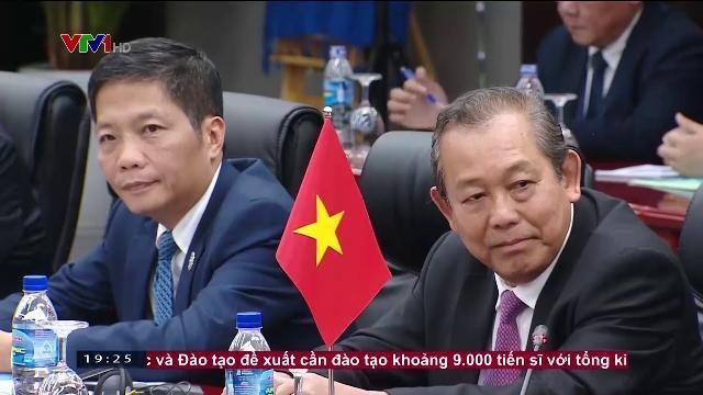 Thủ tướng Nguyễn Xuân Phúc hội kiến Tổng bí thư Tập Cận Bình