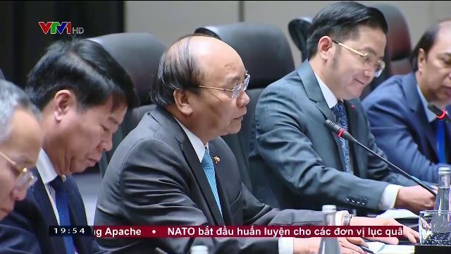 Thủ tướng Nguyễn Xuân Phúc hội kiến Thủ tướng Trung Quốc