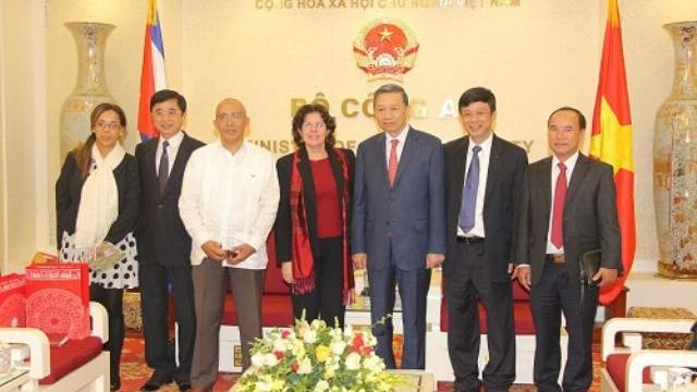 Bộ trưởng Tô Lâm tiếp tân Đại sứ Cộng hòa Cuba