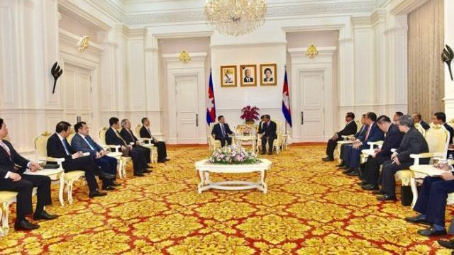 Thủ tướng Chính phủ Hoàng gia Campuchia Hun Sen tiếp Bộ trưởng Tô Lâm