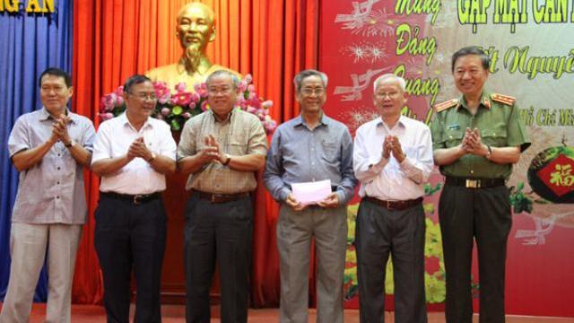 Bộ trưởng Tô Lâm gặp mặt cán bộ hưu trí