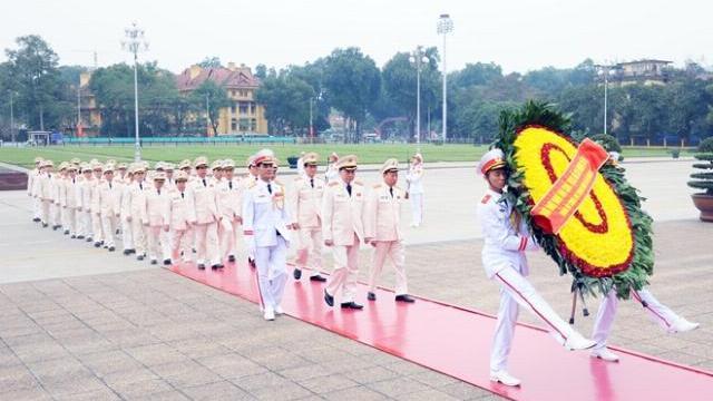 Lãnh đạo Bộ Công an viếng Lăng Chủ tịch Hồ Chí Minh