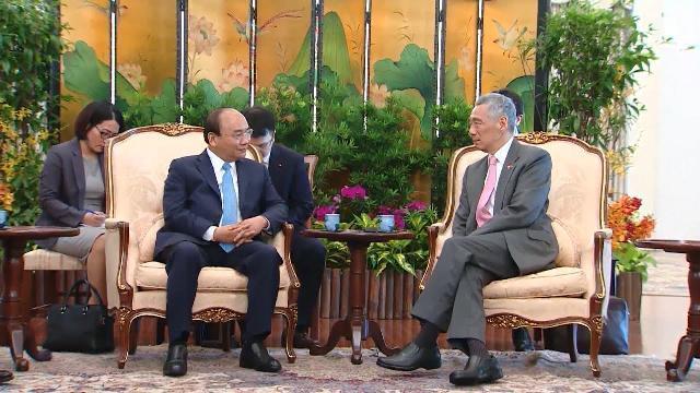 Thủ tướng thăm chính thức Singapore, dự Hội nghị cấp cao ASEAN 32