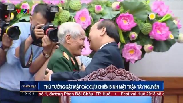 Thủ tướng Nguyễn Xuân Phúc gặp mặt các cựu chiến binh mặt trận Tây Nguyên