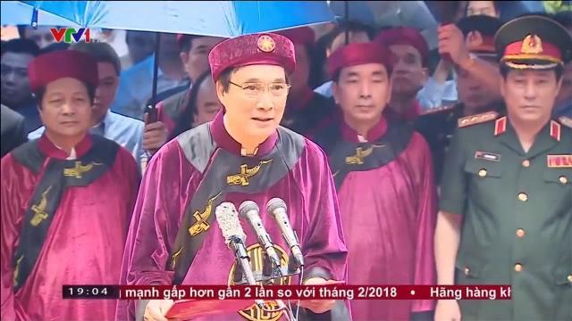 Thủ tướng Nguyễn Xuân Phúc dâng hương tưởng niệm các vua Hùng