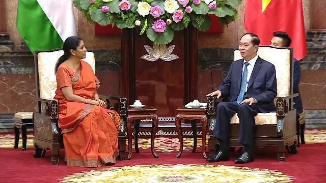Chủ tịch nước Trần Đại Quang tiếp Bộ trưởng Bộ Quốc phòng Ấn Độ