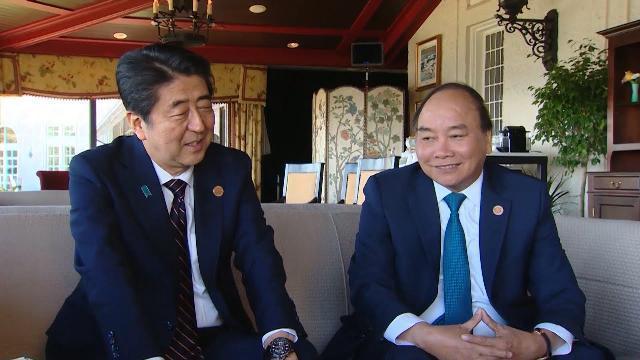 Thủ tướng Nguyễn Xuân Phúc tiếp xúc song phương bên lề Hội nghị Thượng đỉnh G7