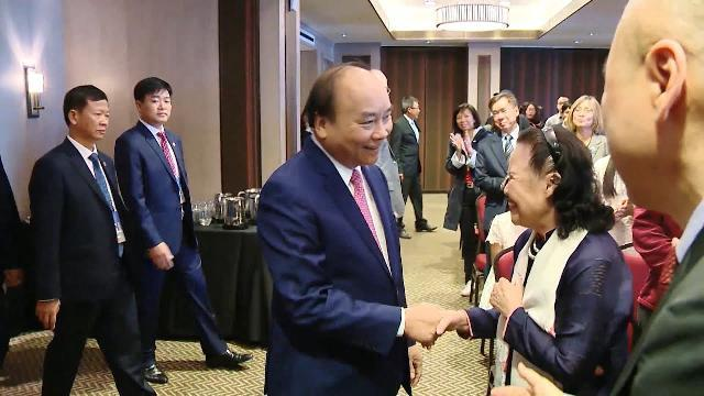 Thủ tướng thăm Đại sứ quán và gặp gỡ kiều bào tại Canada