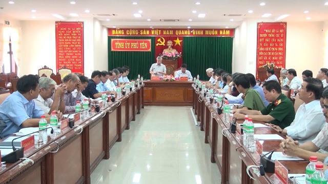 Đồng chí Trần Quốc Vượng làm việc với Ban Thường vụ Tỉnh ủy Phú Yên