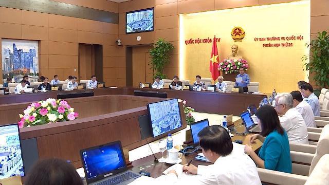 Khai mạc phiên họp thứ 25, Ủy ban Thường vụ Quốc hội Khóa XIV