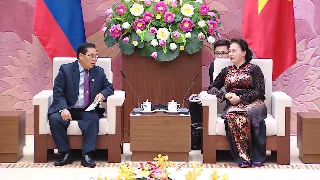 Chủ tịch Quốc hội Nguyễn Thị Kim Ngân tiếp Đoàn đại biểu cấp cao Quốc hội CHDCND Lào