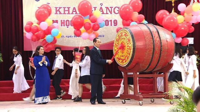 Chủ tịch nước Trần Đại Quang dự Lễ khai giảng năm học mới tại trường THPT Chu Văn An
