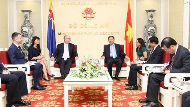 Bộ trưởng Tô Lâm tiếp Đại sứ Australia