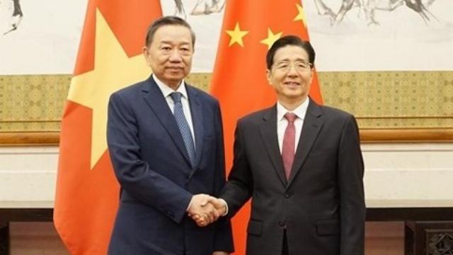 Bộ trưởng Tô Lâm hội kiến Bí thư Ủy ban Chính pháp Trung ương Đảng Cộng sản Trung Quốc