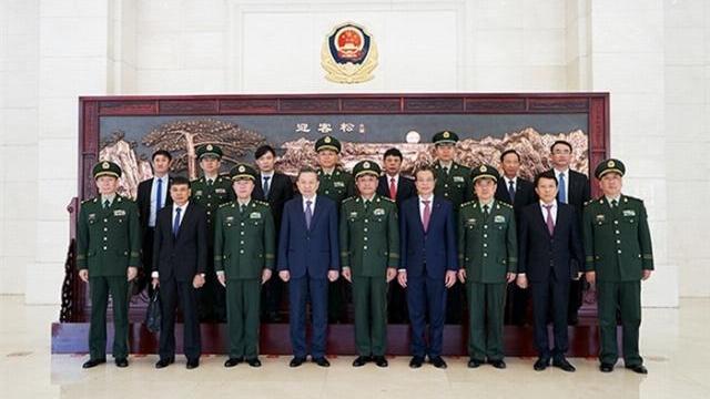 Bộ trưởng Tô Lâm hội đàm với Bộ trưởng Bộ An ninh và Tư lệnh Tổng bộ Cảnh sát vũ trang Trung Quốc