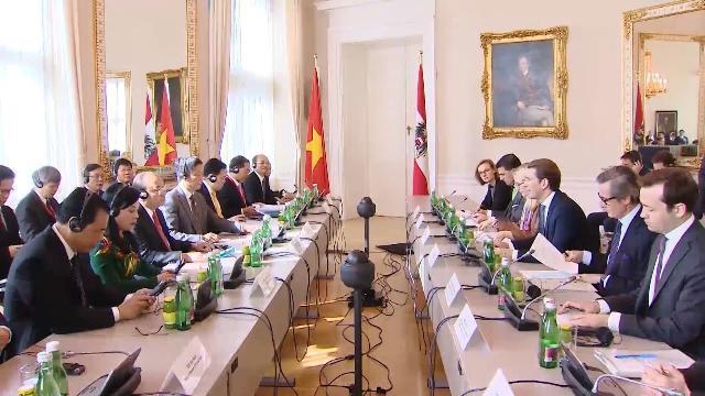 Thủ tướng tiếp Liên hiệp Hội người Việt Nam tại châu Âu